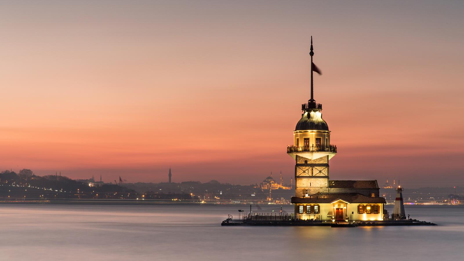 Девичья башня (Kız Kulesi) в Стамбуле