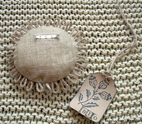 Идеи упаковки новогодних подарков. Шьем мешочки и украшаем их орешками (16) (489x426, 203Kb)