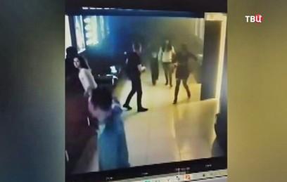 """Появилось видео эвакуации из кинозалов ТЦ """"Зимняя вишня"""" во время пожара"""