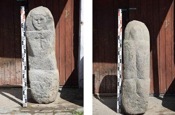 Древнего каменного идола нашли в канаве в Вологодской области