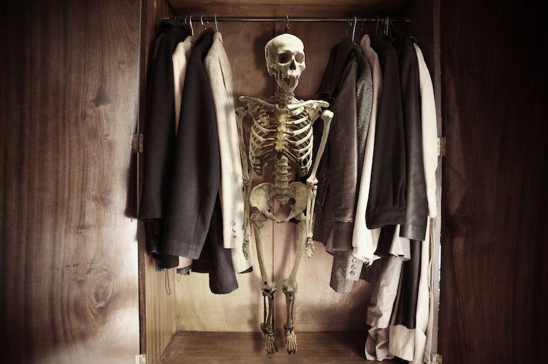 Поиски скелета в шкафу