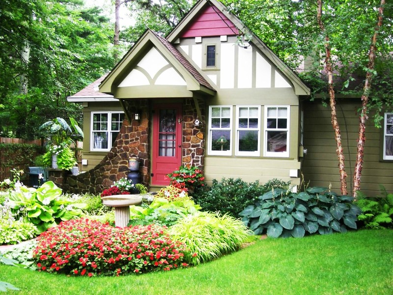 13811-front-yard-landscape-ideas-in-front-of-front-doors.jpg
