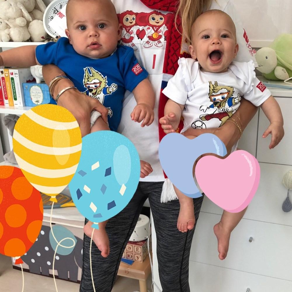 Иглесиас и Курникова показали подросших двойняшек — видео