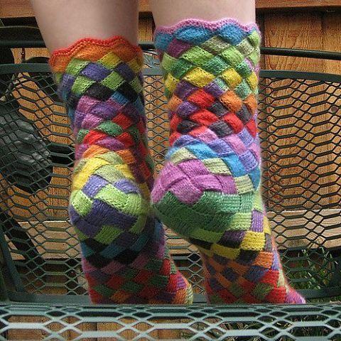 Вязаные носки в стиле «энтрелак»