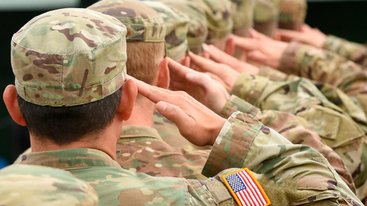 Шатдаун и голодный американский солдат