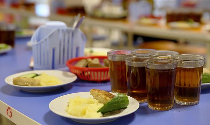 Украинцев обязали меньше питаться, чтобы бороться с ожирением
