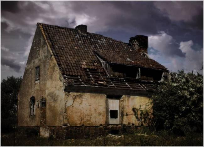 10 признаков того, что в вашем доме обосновались потусторонние силы
