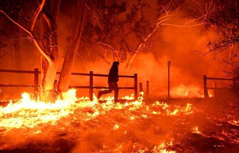 Калифорния в огне: один погибший, 27 000 эвакуированных