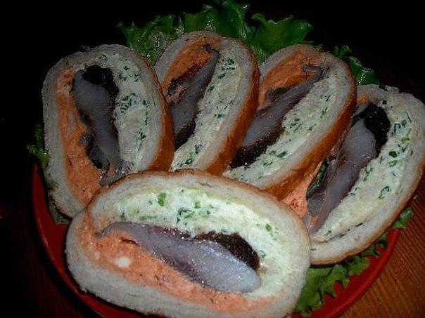 Оригинальные бутерброды с селедкой