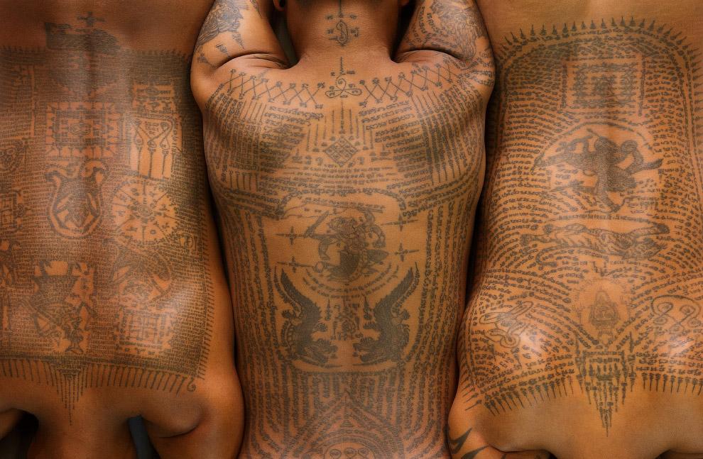 Традиционная тайская татуировка в Бангкоке, Таиланд