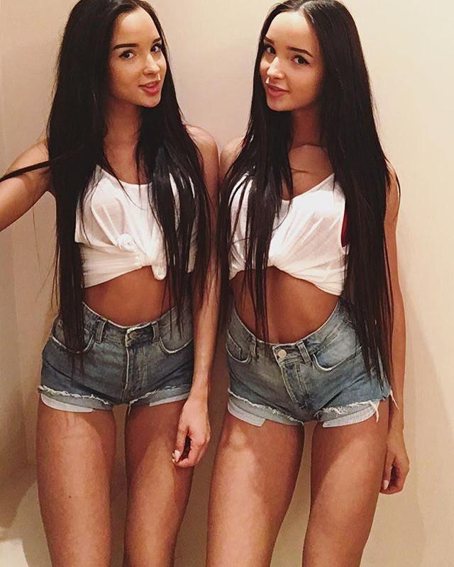 25 фотографий самых соблазнительных двойняшек! sexytwins, девушки, девушки близняшки, девушки из инстаграма, девушки из соцсетей