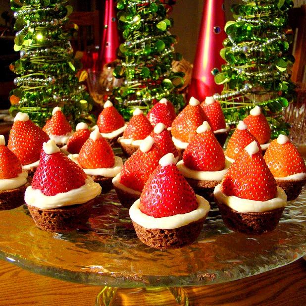 Пирожное «Шапочка Деда Мороза»!