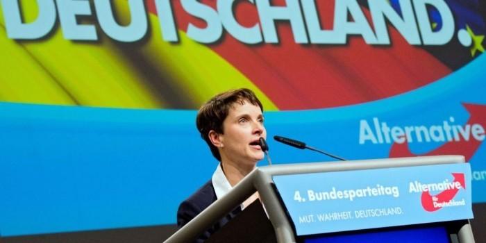"""В Германии посоветовали Трампу """"меньше чирикать"""""""