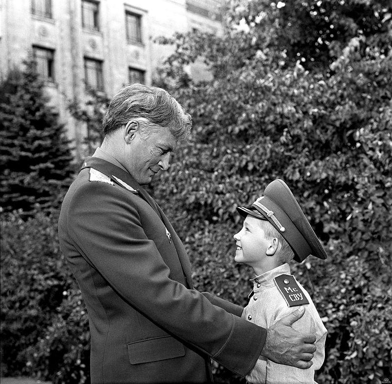 От героев былых времен не осталось порой имен... офицеры, советское кино