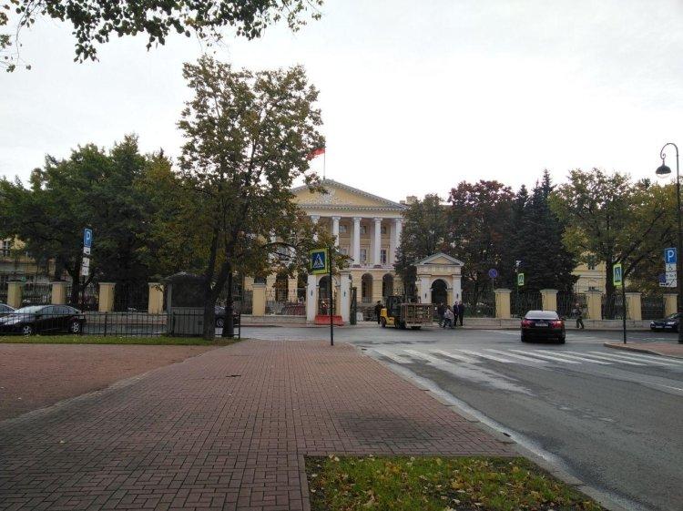 На должность советника врио губернатора Петербурга был назначен Дмитрий Локтаев