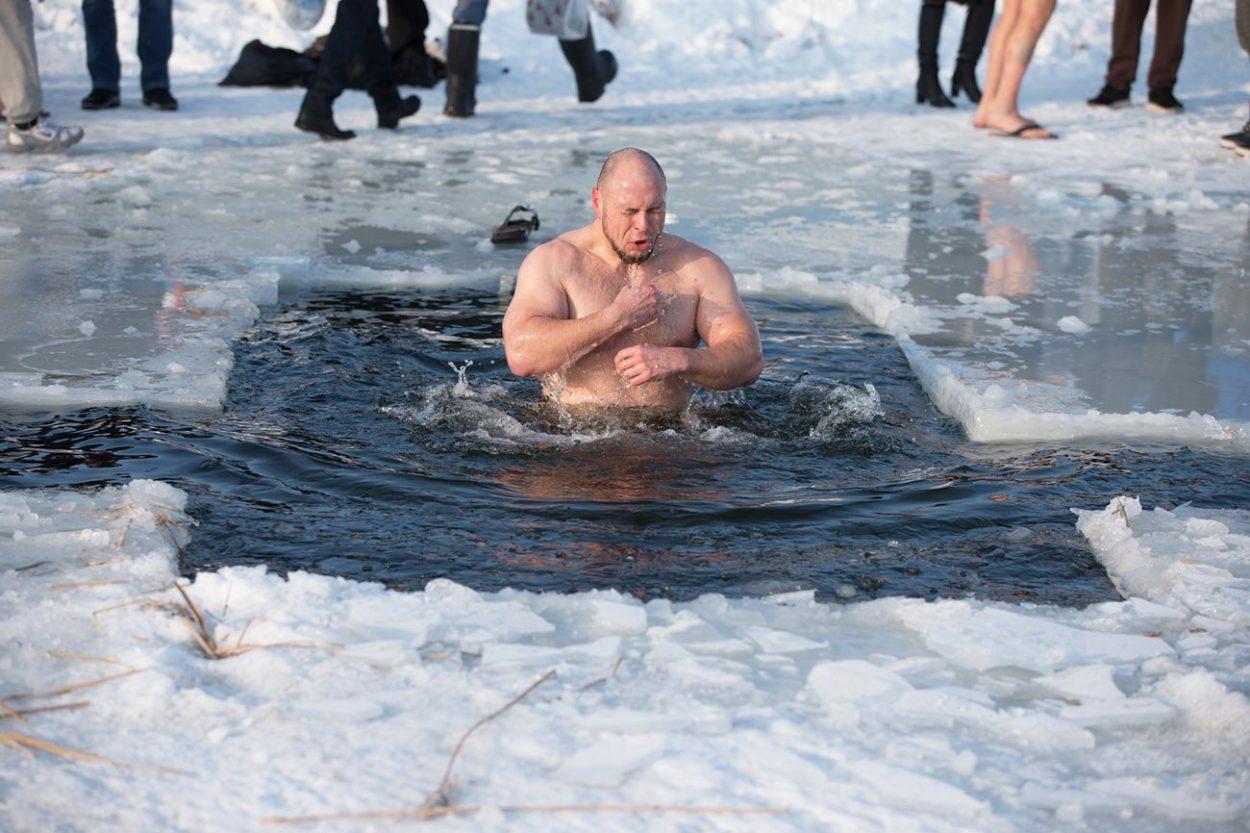Почему наКрещение купаются именно впроруби?