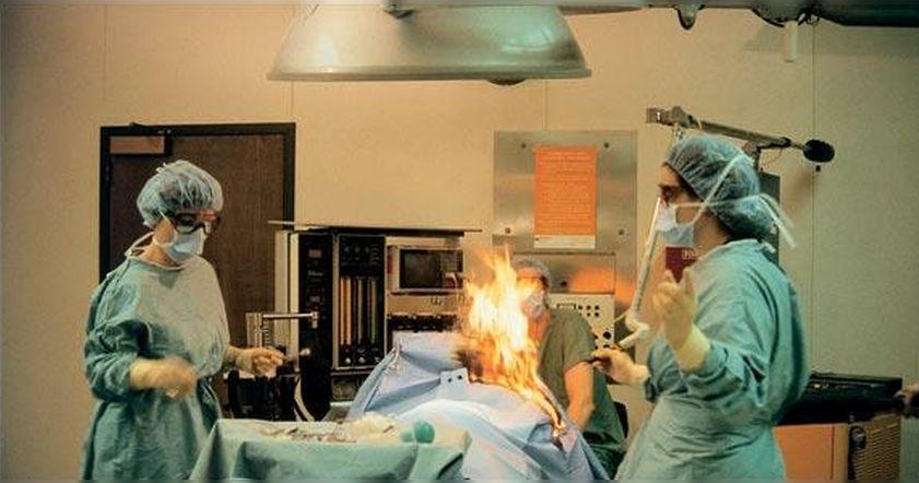 Пукнувшая на лазер пациентка устроила пожар в операционной