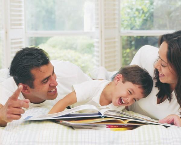 pais-ensinando-o-filho2