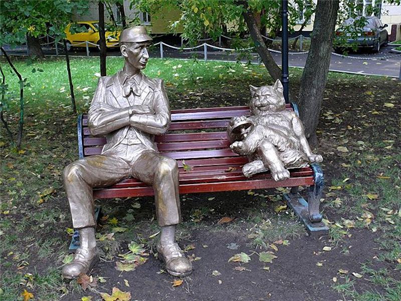 0124 Скульптуры и памятники кошкам
