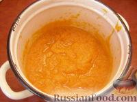 Фото приготовления рецепта: Сладкий тыквенный крем-суп с корицей - шаг №5