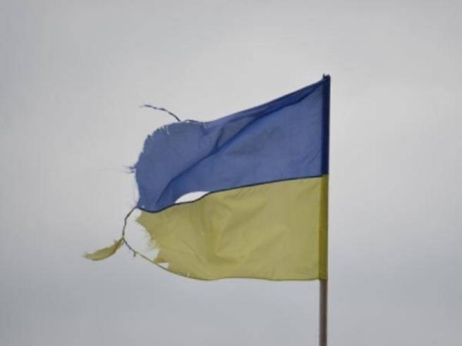 Зачем эти рваные тряпки? - Мэр контролируемого Киевом города на Донбассе отказался вывешивать украинские флаги