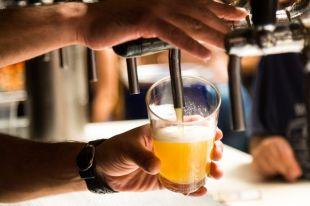 Как налить пиво без пены?