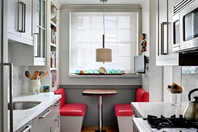 Пример удачной планировки узкой, маленькой кухни