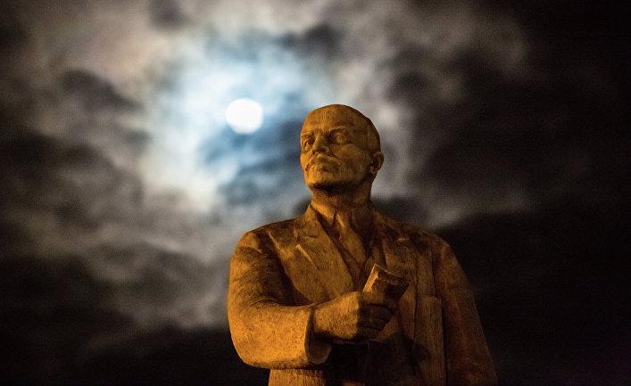 Столетие российской революции следует не праздновать, а оплакивать (The Spectator, Великобритания)