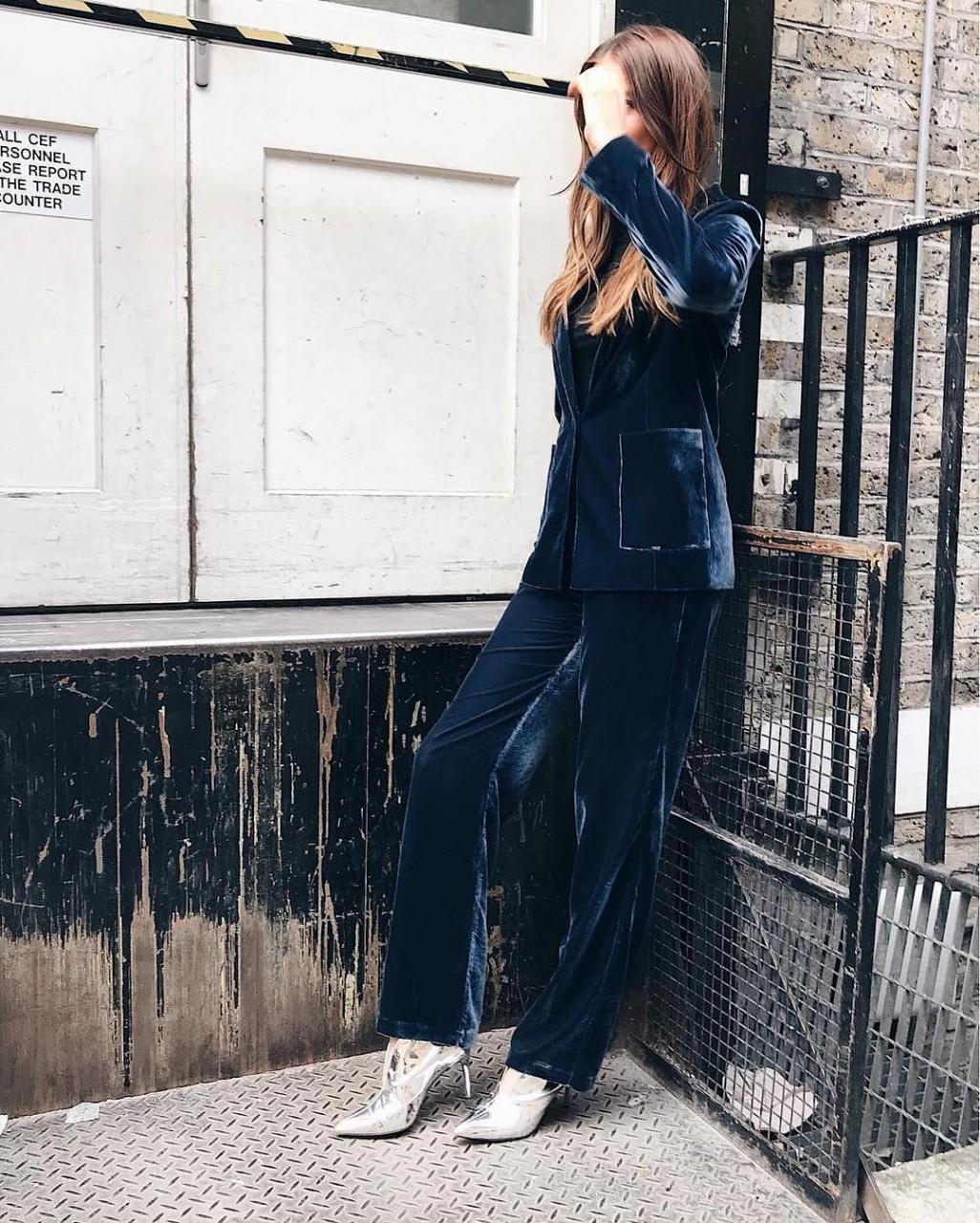 Модные женские костюмы 2018: стильные варианты
