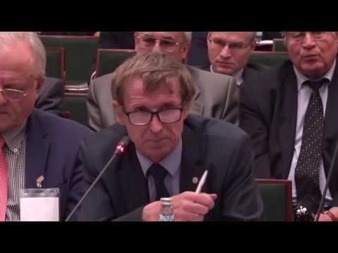 «Правительство нас жить не заставляет», — о повышении конкурентоспособности в России