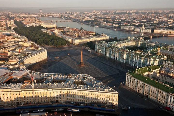 Путешествие в Санкт-Петербург: достопримечательности и развлечения