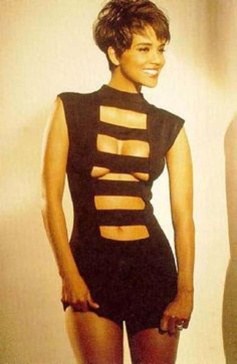 Рискованное платье Хэлли Берри, актрисы, голливуд, знаменитости