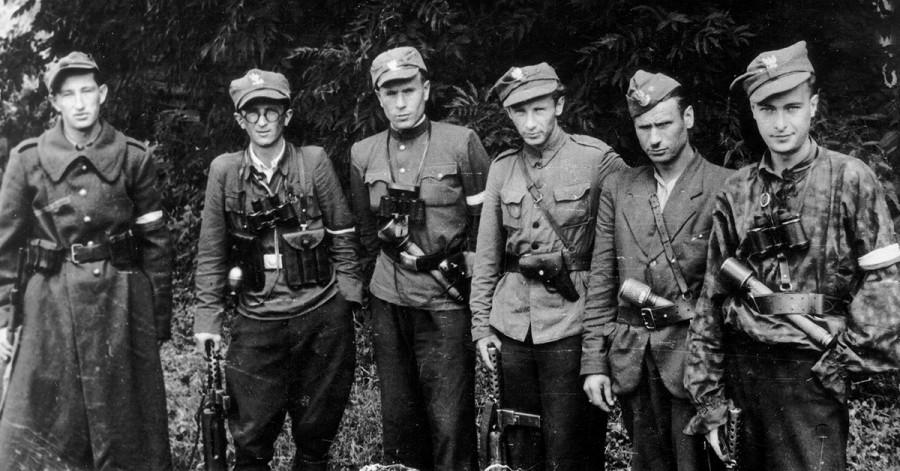 Армия Крайова предала жертв …