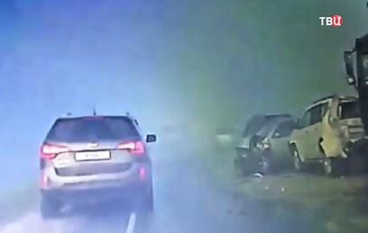 Под Новосибирском из-за тумана столкнулись 12 автомобилей