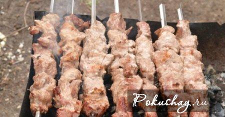 Обжарить мясо со всех сторон