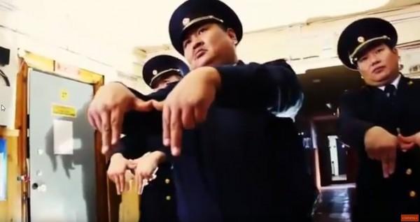 Российские полицейские из Як…
