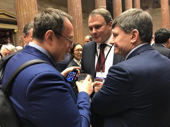 Скандал: Геращенко и представитель Порошенко пили шампанское с вице-спикером Госдумы