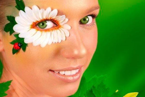 Четыре эффективные маски от гусиных лапок вокруг глаз