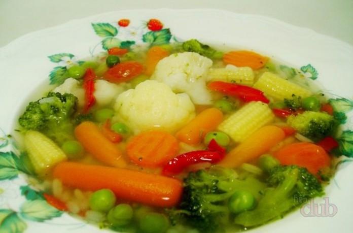 Суп овощной на индюшачьем бульоне
