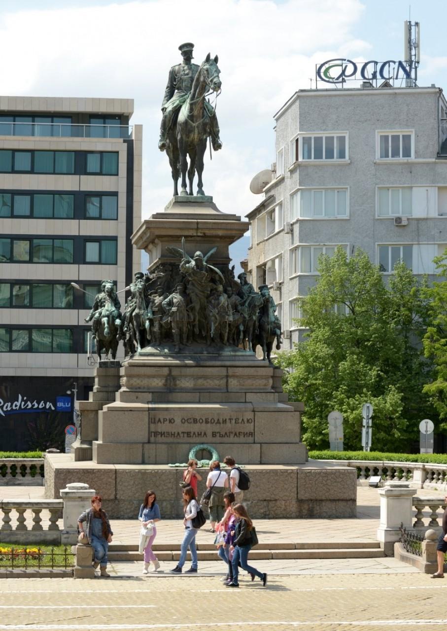 Всадник на бульваре царя-освободителя Почему в Болгарии российского императора чтут сердечнее, чем на Родине
