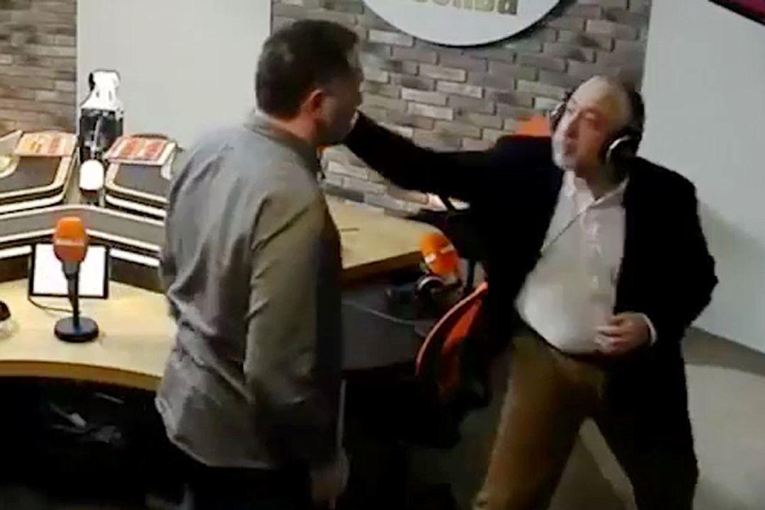 """Два уважаемых журналиста подрались в прямом эфире радио """"Комсомольская правда"""""""
