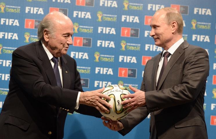 Футбол и политика: смешать, но не взбалтывать
