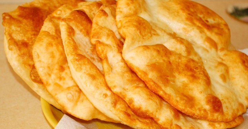 Пышный лангош по-венгерски. Без преувеличения, это самое вкусное блюдо быстрого питания!