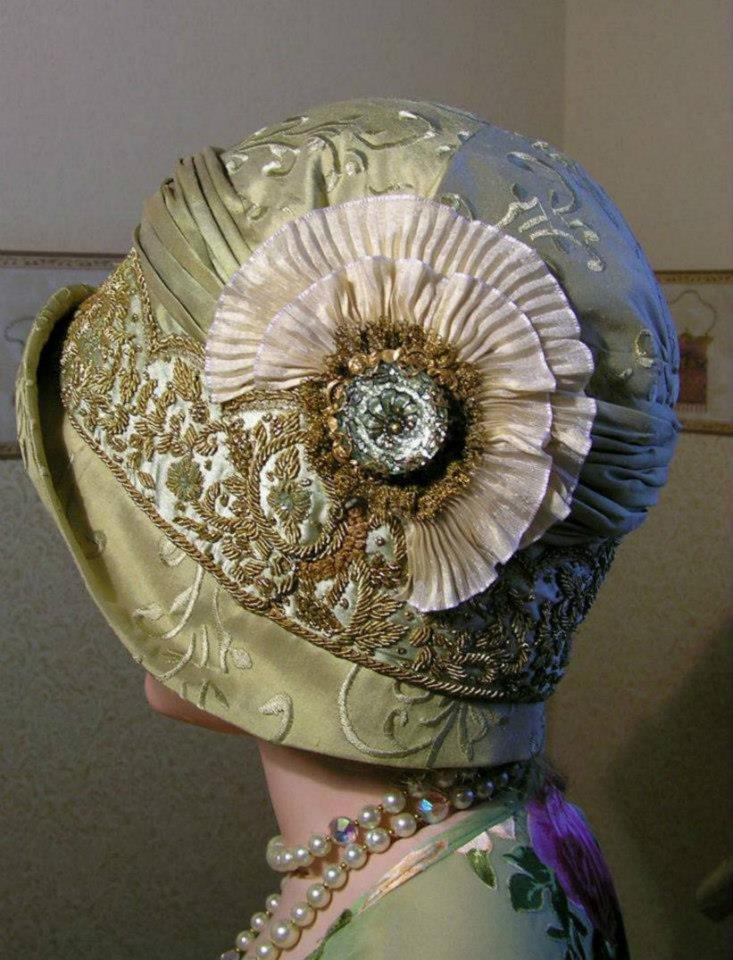 Снимите шляпы, господа, пред вами в шляпке – дама…