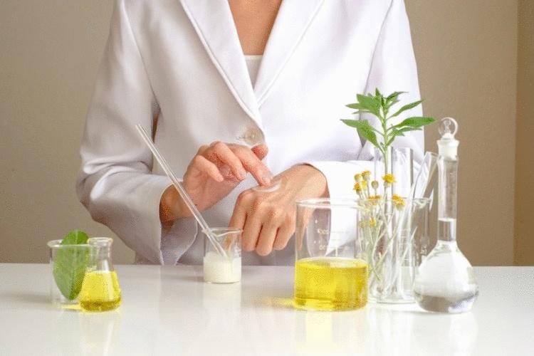 5 вещей, которые не наносят на свою кожу уважающие себя дерматологи