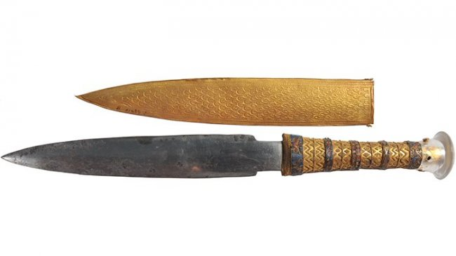 Нож Тутанхамона был сделан и…