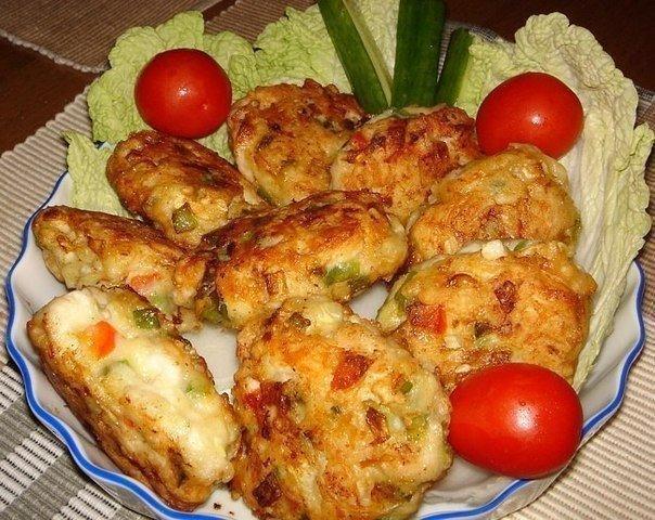 Рецепт очень вкусных и полезных котлет из куриного мяса с овощами и сыром….