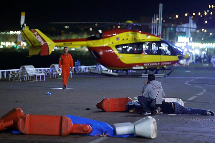 Атака в Ницце: «Люди сами начинают друг друга убивать, затаптывать, душить»