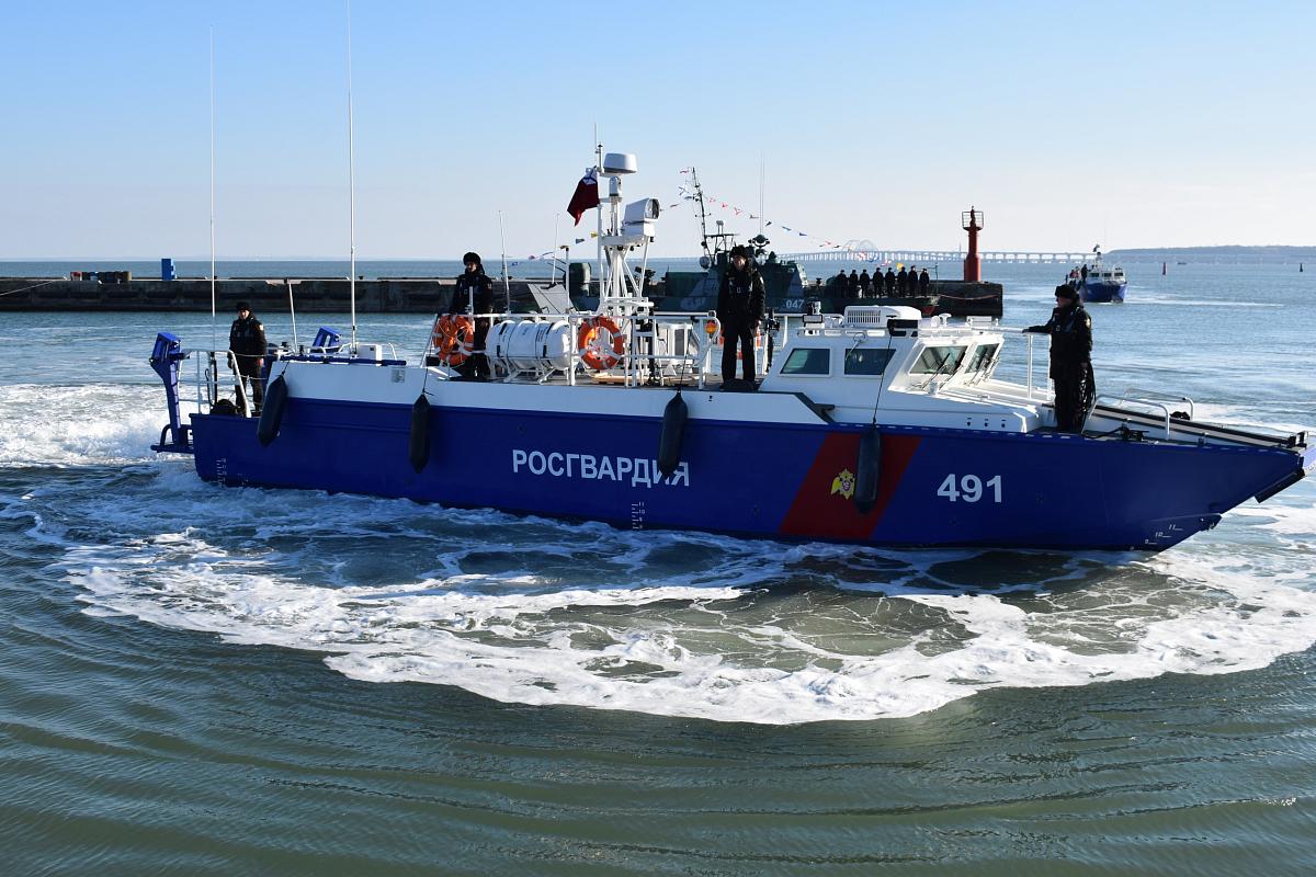 Охрана Крымского моста усилена новыми катерами типа БК-16 Росгвардии