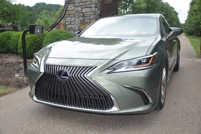 Lexus ES 300h, What The Soci…